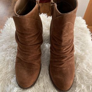 Universal Threads Suede Slouchy Boots - EUC